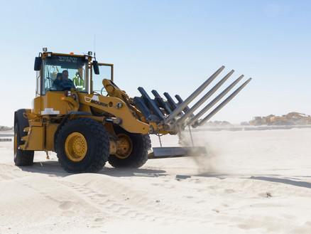 Door slimme uitvinding werkt shovel voor drie